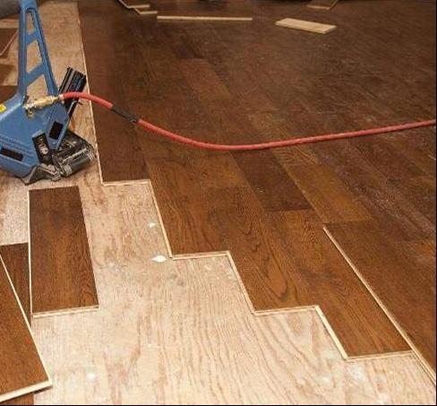 瓷砖上面直接铺木地板,原来还要做这道工序,后悔没早点知道-3