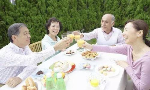 """那些""""抱团养老""""的中国老人们,现在过得怎么样?-9"""